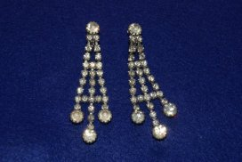 1950s-sarah-coventry-rhinestone-chandelier-dressy-clip-on-earrings
